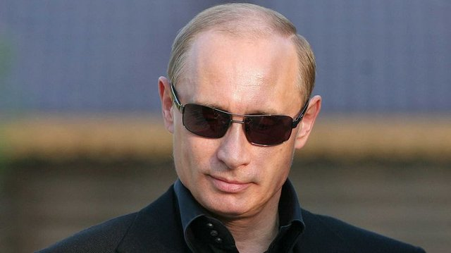Putin pokazuje KE miejsce w szeregu ws.Gazpromu