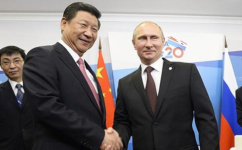 Władimir Putin nie kocha Xi Jinpinga ale bardzo go potrzebuje. Xi liczy na współpracę z Rosją ale nie jest na nią skazany