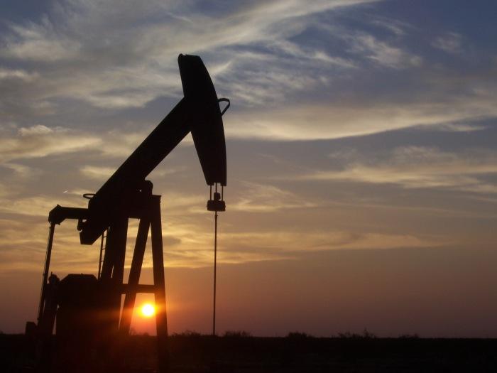 Wydobycie ropy. Fot. Wikimedia Commons