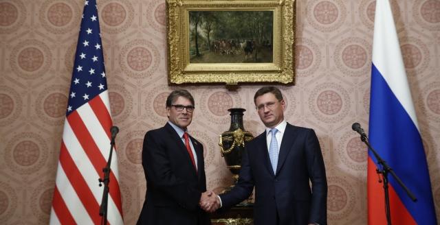 Rick Perry i Aleksander Nowak w Moskwie. Fot. Ministerstwo Energetyki FR