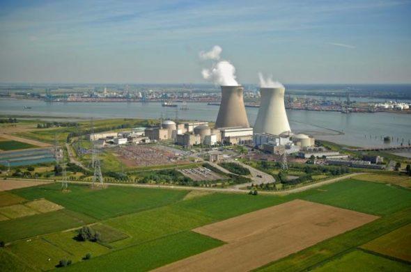 Greenpeace atakuje ekspertów Komisji za poparcie atomu | Akademik Czerski mający przyspieszyć budowę Nord Stream 2 przygotowuje się dopracy